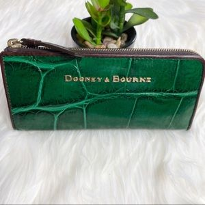 DOONEY & BOURKE- Faux Croc Zipper Wallet